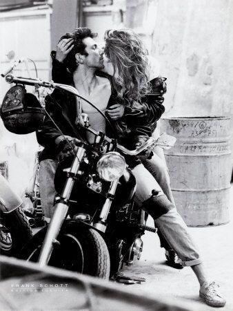 Couple sur une moto - Centerblog